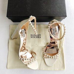 New BADGLEY MISCHKA Hooper Pearl Sandals Ivory